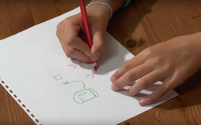 Hry s papírem a tužkou pro rodiče a děti na doma